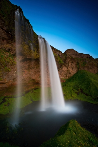 The Seljalandsfoss waterfall (Icenald)